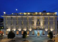 意大利皇宫酒店 - 利尼亚诺萨比亚多罗 - 建筑