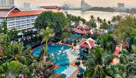 曼谷河畔安纳塔拉水疗度假村 - 曼谷 - 游泳池