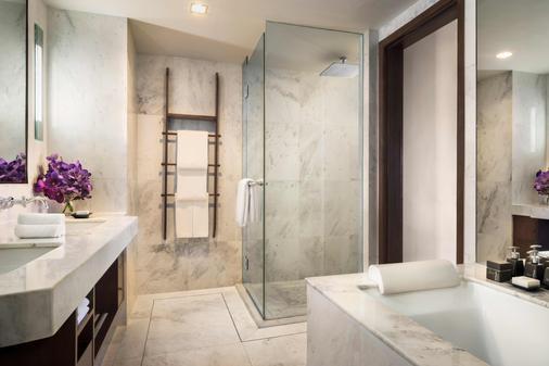 曼谷河畔安纳塔拉水疗度假村 - 曼谷 - 浴室