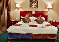 格德曼艾姆派尔酒店 - 阿斯塔纳 - 睡房