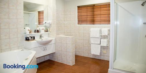 贝克雷斯特洛奇酒店 - 陶波 - 浴室