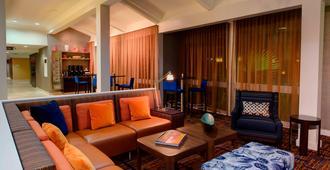 休斯顿/布鲁克庭院酒店 - 休斯顿 - 休息厅
