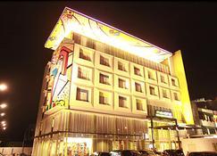 马科斯万帕尔姆邦酒店 - 巨港 - 建筑