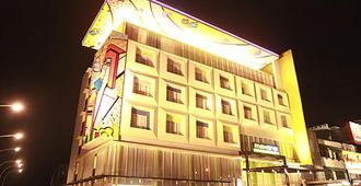 马科斯万帕尔姆邦酒店 - 巨港