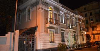 维多利亚特罗佩亚住宿加早餐别墅酒店 - 特罗佩阿 - 建筑