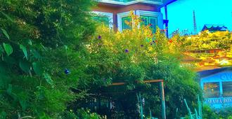 海蒂之家酒店 - 努沃勒埃利耶 - 户外景观