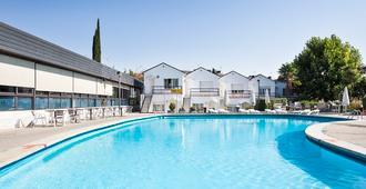 马德里奥苏纳酒店 - 马德里 - 游泳池