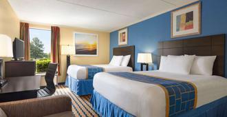 温德姆布拉格堡克罗斯特溪商场戴斯套房酒店 - 费耶特维尔 - 睡房