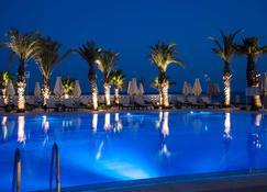 哈马迈特海水浴渡假丽笙布鲁酒店 - 哈马迈特 - 游泳池