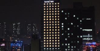 Coop城市住宿酒店 - 首尔 - 建筑