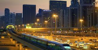 宜必思尚品迪拜龙城酒店 - 迪拜 - 户外景观