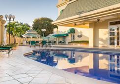 巴塞罗酒店-圣萨尔瓦多 - 圣萨尔瓦多 - 游泳池
