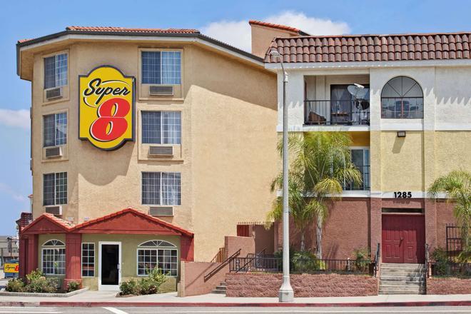 洛杉矶市区速8酒店 - 洛杉矶 - 建筑