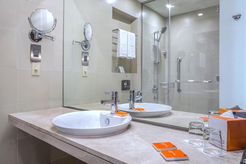 巴莎中心酒店 - 迪拜 - 浴室