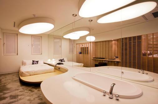 三成设计师酒店 - 首尔 - 浴室