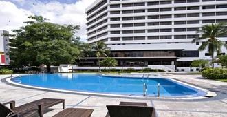 怡保宴宾雅酒店 - 怡保 - 游泳池