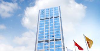 金鹰珠江壹号国际酒店 - 南京 - 建筑
