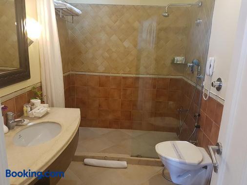 果阿皇冠酒店 - 帕纳吉 - 浴室