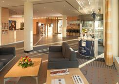 柏林阿德勒斯霍夫多林特酒店 - 柏林 - 大厅