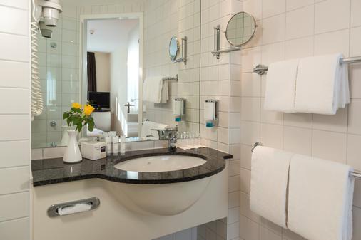 柏林阿德勒斯霍夫多林特酒店 - 柏林 - 浴室