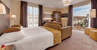 贝尔里夫酒店 - 洛桑 - 睡房