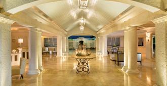 格雷斯湾金沙酒店 - 普罗维登西亚莱斯岛 - 大厅
