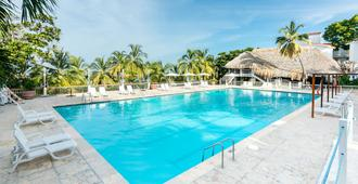 加连得可麦仑酒店 - - 圣玛尔塔 - 游泳池