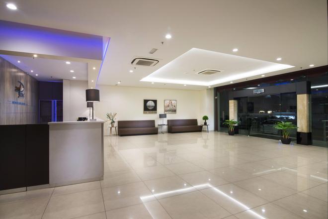 一洋酒店和服务式公寓 - 乔治敦 - 柜台