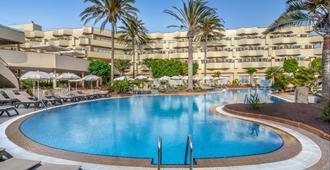 科拉莱霍湾巴瑟罗度假酒店-仅限成人 - 科拉雷侯 - 游泳池
