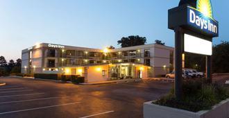 戴斯罗利南部酒店 - 罗利 - 建筑