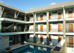 洛克安逸酒店 - 拷叻 - 游泳池
