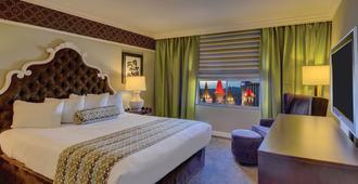 石中剑赌场酒店 - 拉斯维加斯 - 睡房