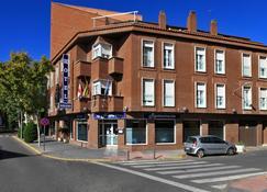 纳瓦罗酒店 - 雷阿尔城 - 建筑