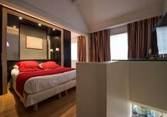 保姆娱乐酒店 - 巴黎 - 睡房