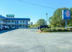 拉塞尔维尔6号汽车旅馆 - 拉塞尔维尔(阿肯色州) - 建筑