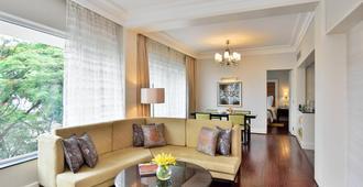 孟买湖畔小木屋-万豪行政公寓 - 孟买 - 客厅