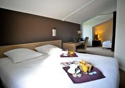 洛伊亚克康福特酒店 - 巴约讷 - 睡房