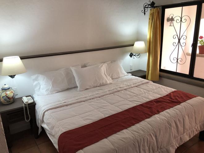 安提瓜波萨达酒店 - 库埃纳瓦卡 - 睡房