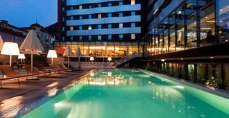 诺富特卢加诺天堂酒店 - 卢加诺 - 游泳池