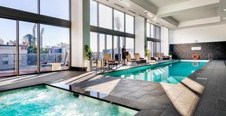 珀斯辉盛阁国际公寓 - 珀斯 - 游泳池