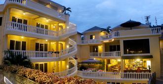 美人鱼度假村和潜水中心 - 加莱拉港 - 建筑