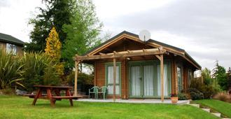 汉默温泉小木屋汽车旅馆 - 汉默温泉 - 建筑
