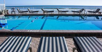 大西洋棕榈酒店 - 代托纳海滩 - 游泳池