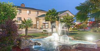 安德森/克莱姆森地区速8酒店 - 安德森(南卡罗来纳州) - 建筑