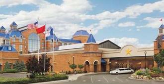 康瑟尔布拉夫斯美洲星赌场酒店 - 康瑟尔布拉夫斯 - 建筑