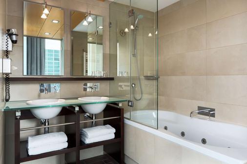 新罕布什尔州海牙酒店 - 海牙 - 浴室
