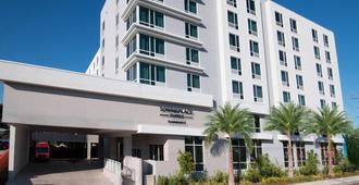 迈阿密机场万豪广场套房酒店 - 迈阿密