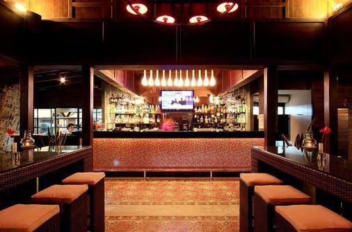 卡塔海滩度假村 - 卡伦海滩 - 酒吧