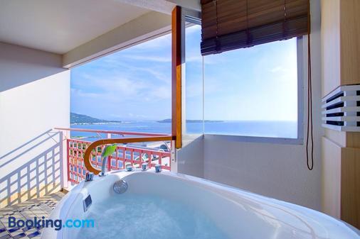 冲绳马海纳健康度假酒店 - 本部 - 浴室
