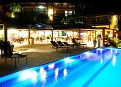 城市海滩 & 海滩俱乐部酒店 - 布希奥斯 - 游泳池